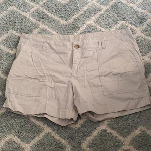 Old Navy cream khaki shorts
